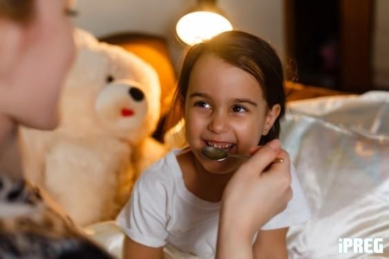 Những điều cần tránh khi dùng men tiêu hoá cho bé